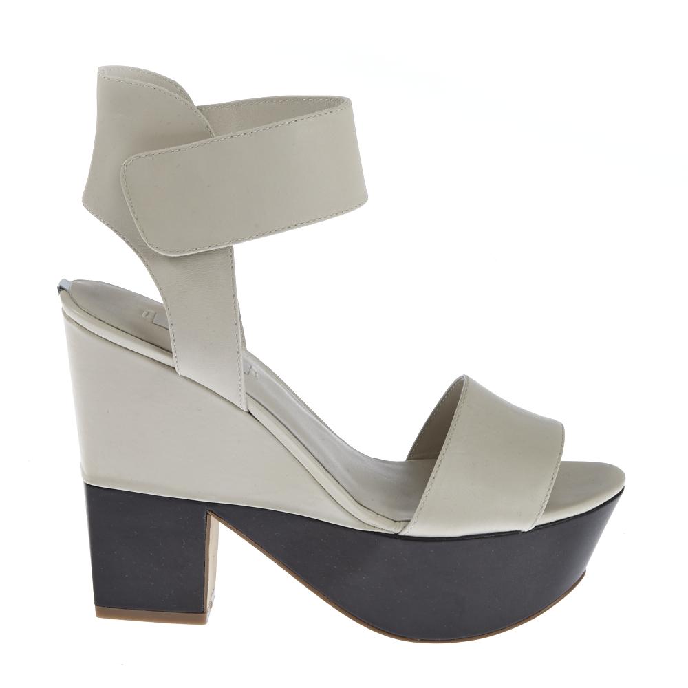 GUESS – Γυναικεία παπούτσια GUESS λευκά