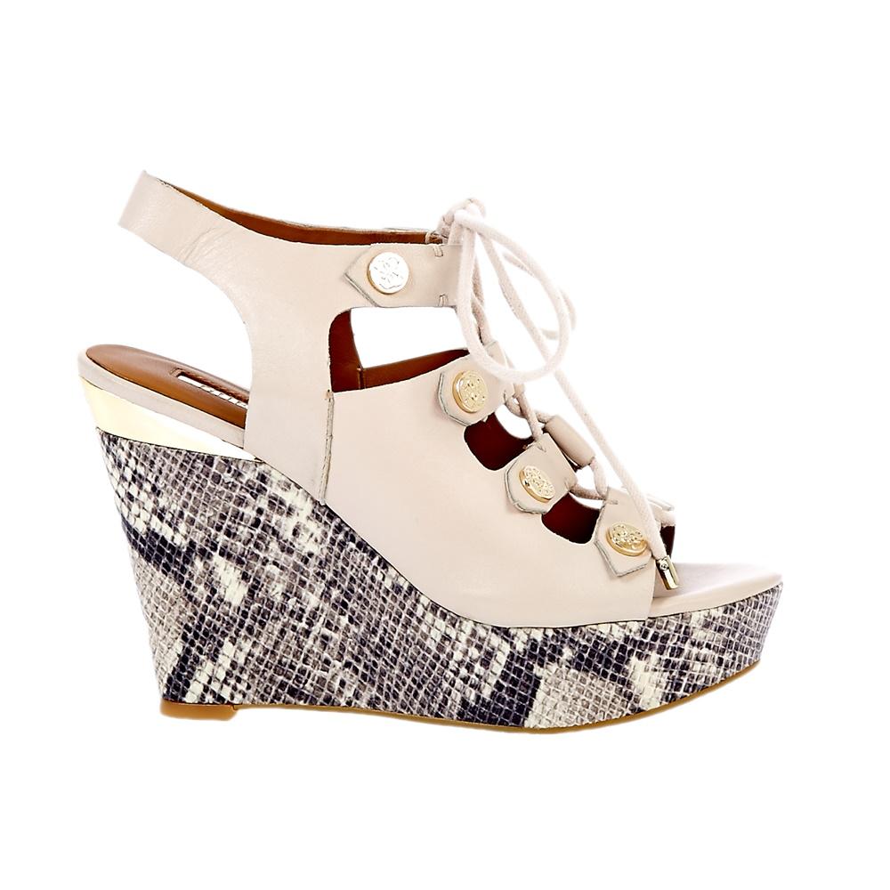 GUESS - Γυναικείες πλατφόρμες Guess μπεζ γυναικεία παπούτσια πλατφόρμες