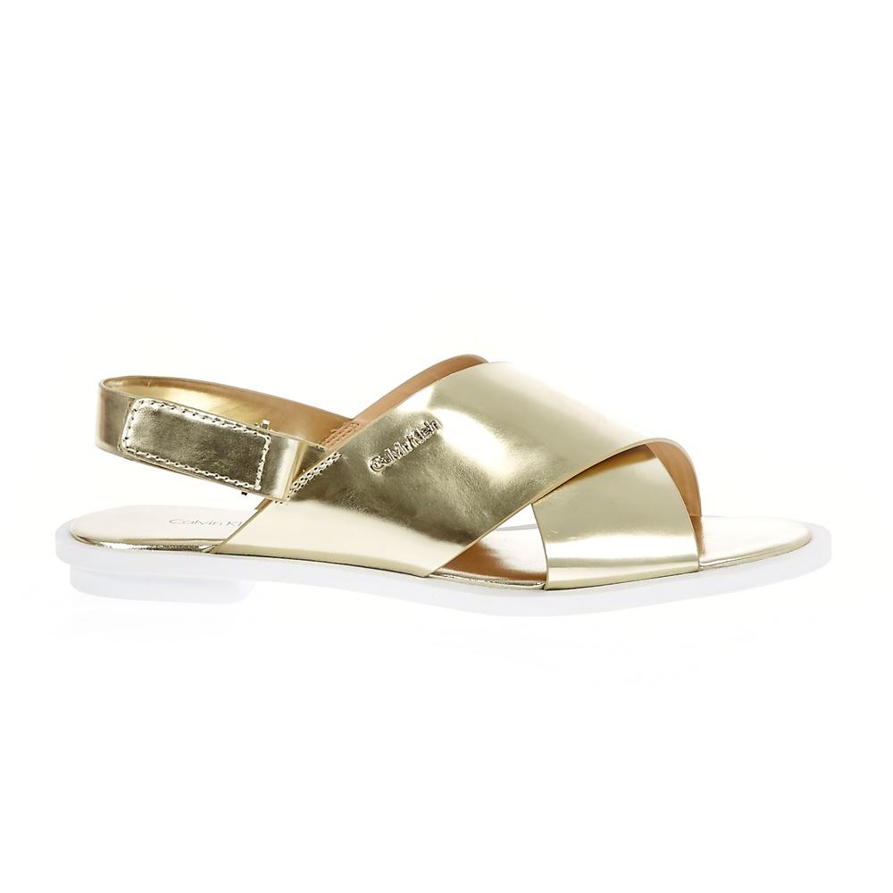 CALVIN KLEIN JEANS – Γυναικεία σανδάλια Calvin Klein Jeans χρυσή απόχρωση