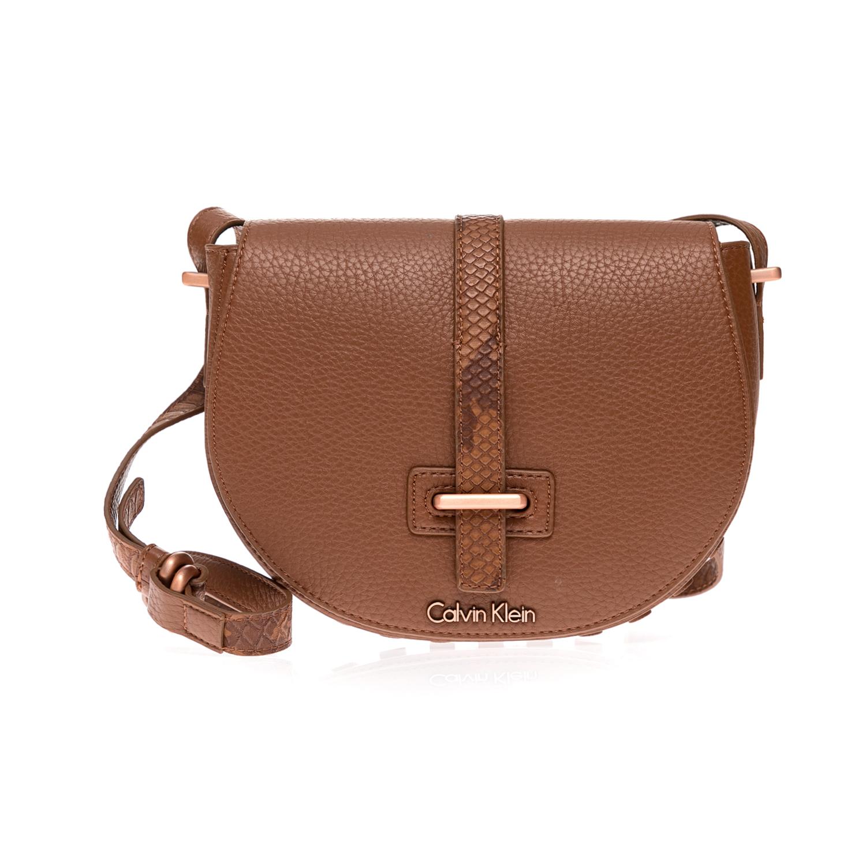 CALVIN KLEIN JEANS – Γυναικεία τσάντα CALVIN KLEIN JEANS καφέ 1480435.0-00KW