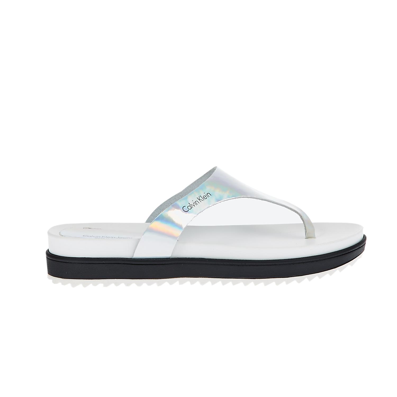 CALVIN KLEIN JEANS – Γυναικείες σαγιονάρες Calvin Klein Jeans λευκές