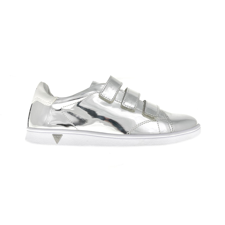 GUESS - Γυναικεία παπούτσια GUESS ασημί γυναικεία παπούτσια sneakers
