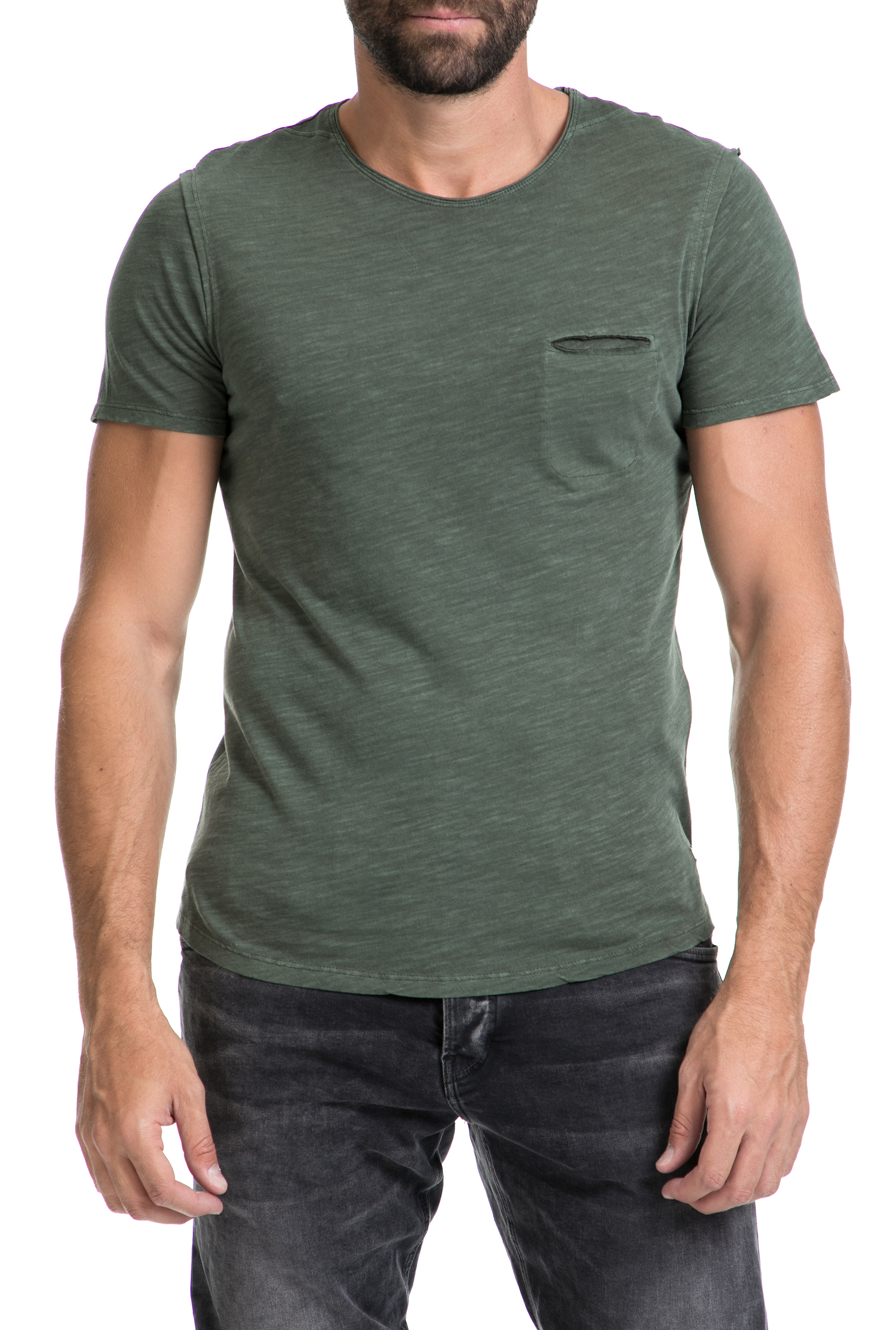 b53ee1273965 GUESS – Αντρική μπλούζα NOLAN GUESS χακί 19